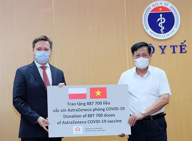Việt Nam receives two million AstraZeneca doses from Poland and South Korea