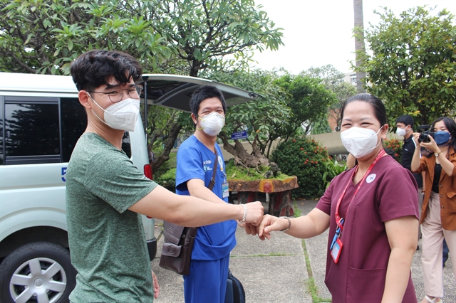 HCM City sends health workers to aid other localities fight COVID