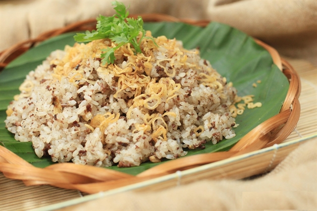 Quail served with sticky rice – must-try dish of autumn