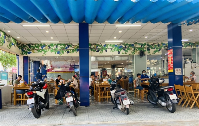 HCM City reopens dine-in service from Thursday