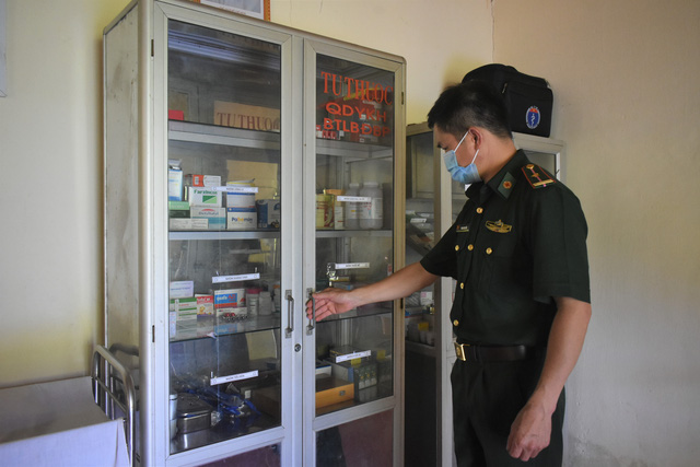 Military doctors offer treatment to ethnic minority community in Quảng Bình