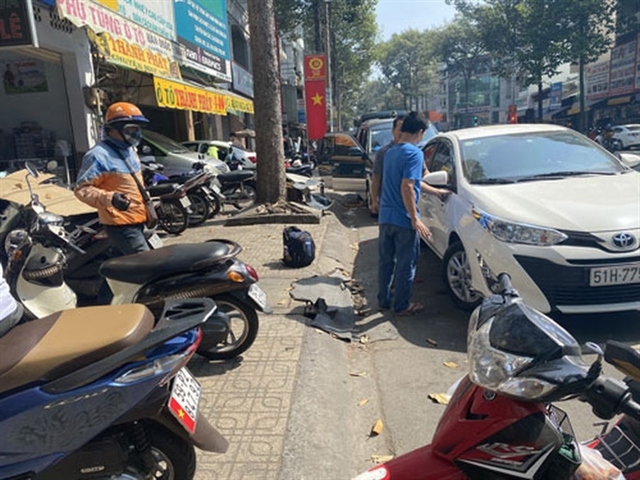 Demand for vehicle repair and upgrade increase as Tết near