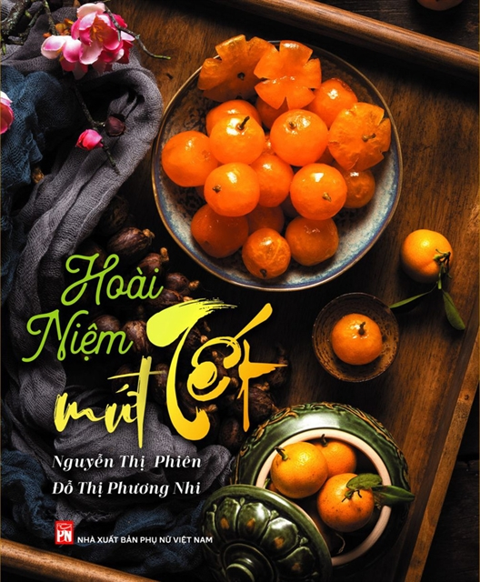 Culinary experts book about sweet dishes in Huế style released
