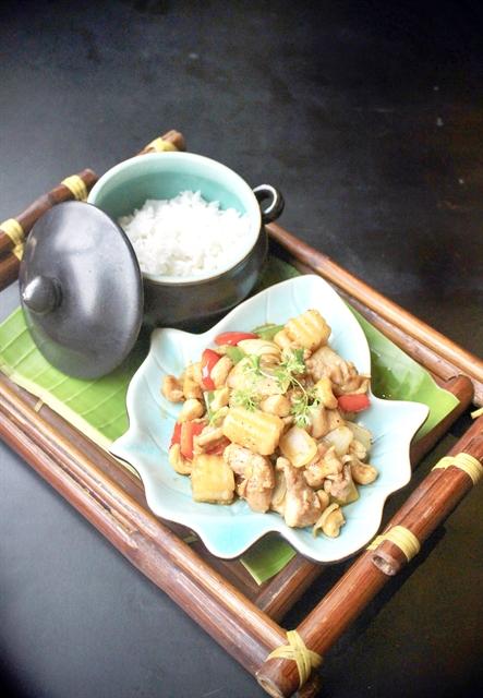 Sautéed Chicken with Fresh Sa Pa Ginseng