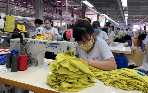 Factory workers ready to resume work after Tết