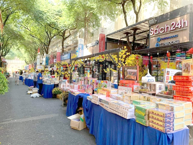 Book Street revenue falls sharply during Tết