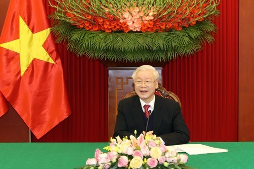 Top leaders of Việt Nam Cuba hold phone talks