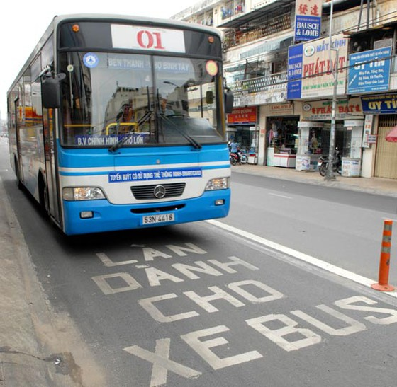 HCM City plans to trial exclusive lanes for buses