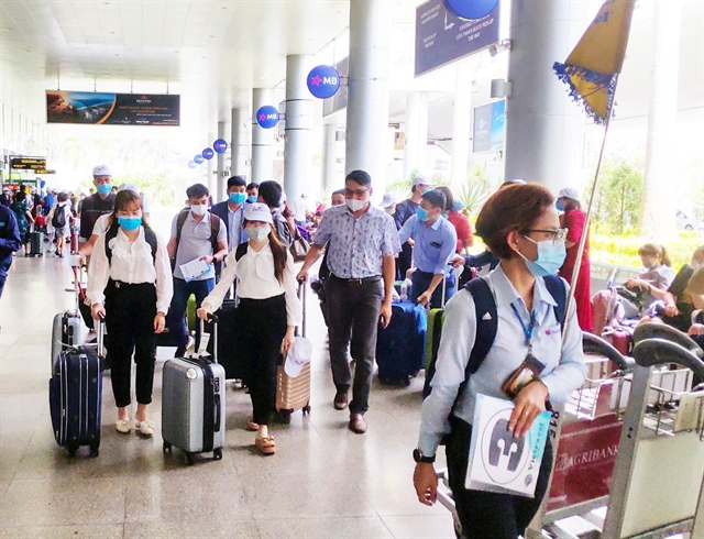 Việt Nam needs to open borders for tourism recovery: experts