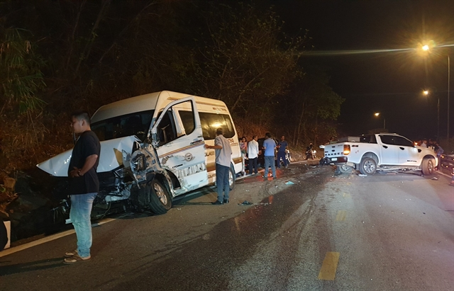 Serious collision occurs on Bảo Lộc Overpass