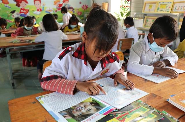 Libraries help ethnic students improve Vietnamese language