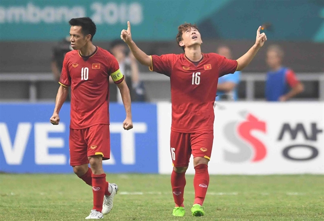 HAGL midfielder Vương revitalised under Thai coach