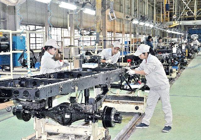 Workforce critical to feed industries in rapidly developing VN: experts