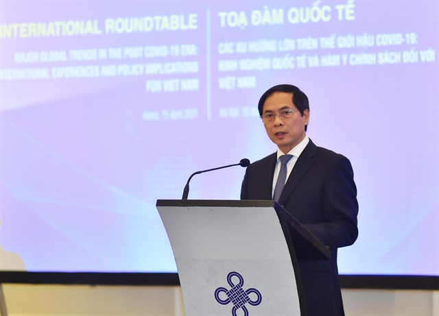 Experts discuss post-COVID-19 global major trends recommendations for Việt Nam