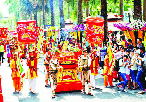 Cultural activities celebrate Hùng Kings