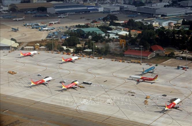 Vietnamese US firms join hands to develop aviation infrastructure