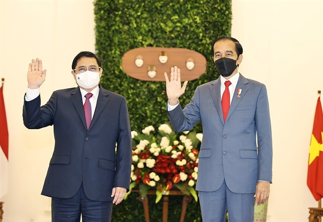 Vietnamese PM meets Indonesian President Joko Widodo ahead of ASEAN summit