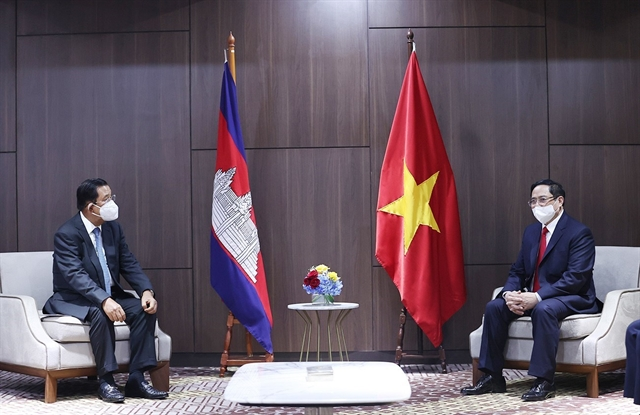 PM meets Cambodian Singaporean Malaysian counterparts