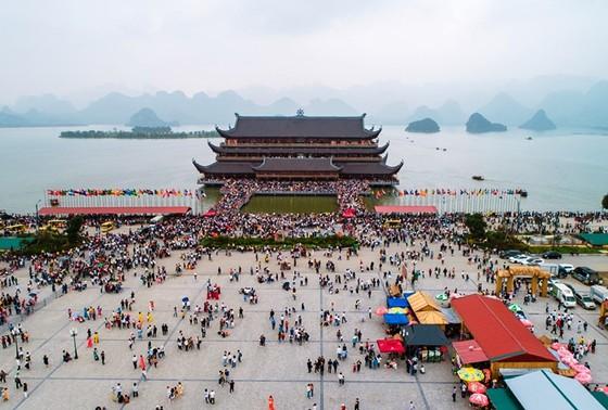Hà Nội Hưng Yên record domestic cases Hà Nam closes tourism sites