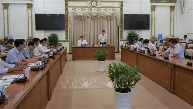 Deputy minister discusses artificial intelligence strategy with HCM City leaders