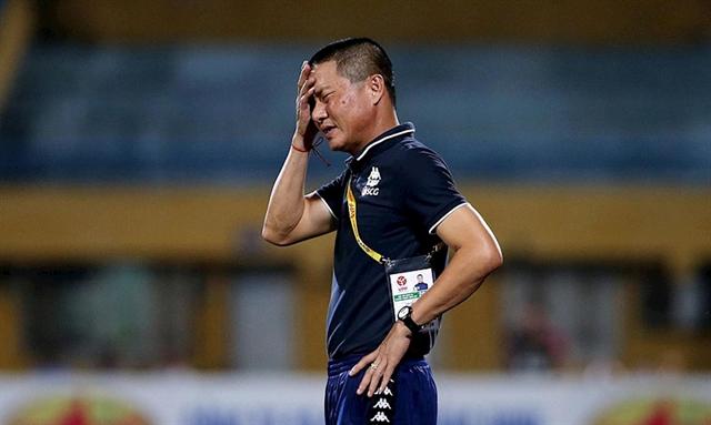 Hà Nội FC coach Nghiêm resigns after Đà Nẵng defeat