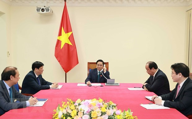 Cambodian PM congratulates new Vietnamese PM via phone talks