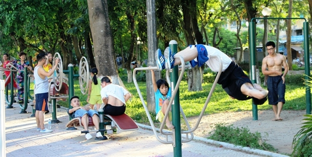 Vietnamese life expectancy up but non-infectious disease cases rise