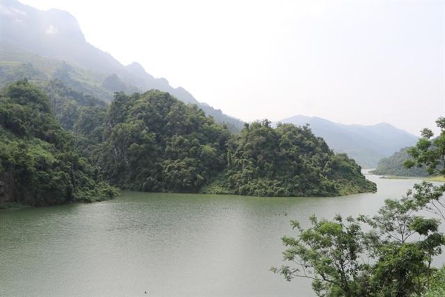 Discovering Hắt Chuông Cave in Điện Biên