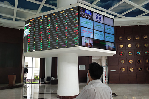 Foreign investors net sold over 438 million in May