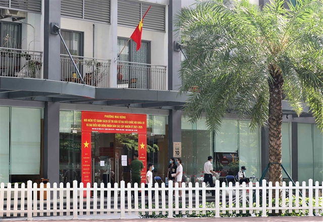 Apartment building in Hà Nội locked down after Indian expert tests positive for COVID-19