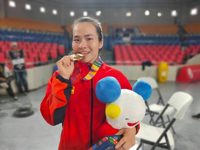 Three Vietnamese weightlifters to compete in Olympics