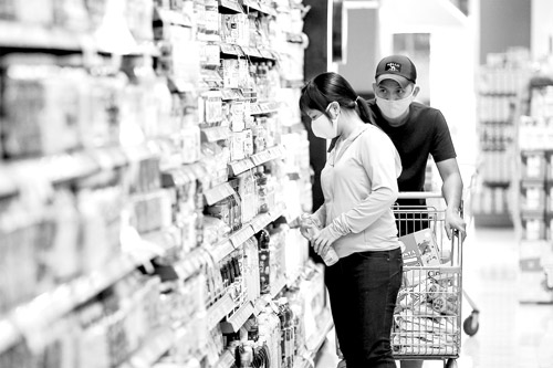 Food firms in HCM City maintainstable prices amid latest COVID outbreak