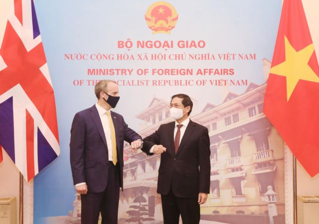 Vietnamese foreign minister asks for UK help in getting access to COVID-19 vaccines