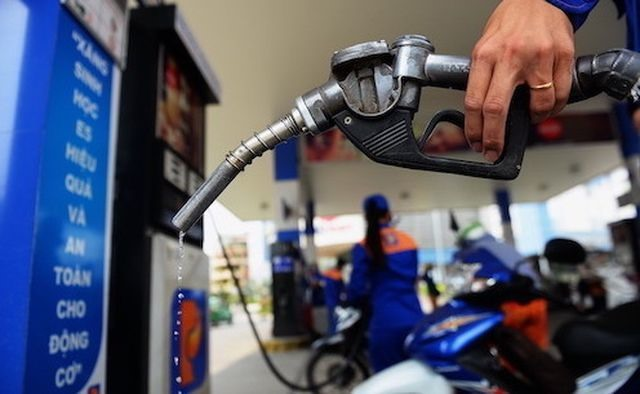 Careful consideration must be given to extending foreign ownership at petrol and oil business to 35%: Deputy PM