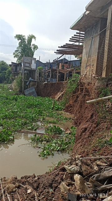 An Giang declares river erosion emergency