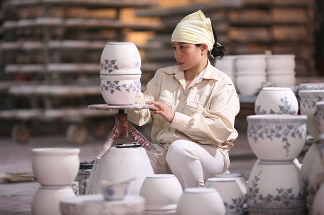 Hà Nộis traditional craft villages adapt to survive pandemic