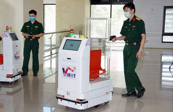 Military-developed robot sent to Bắc Giang to support COVID-19 fight
