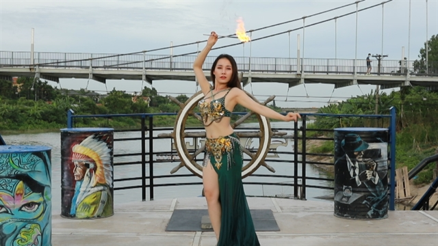 Dancer Xuân turns up the heat for her act