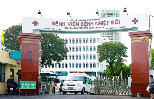 Three more COVID-19 related deaths in HCM City and Long An