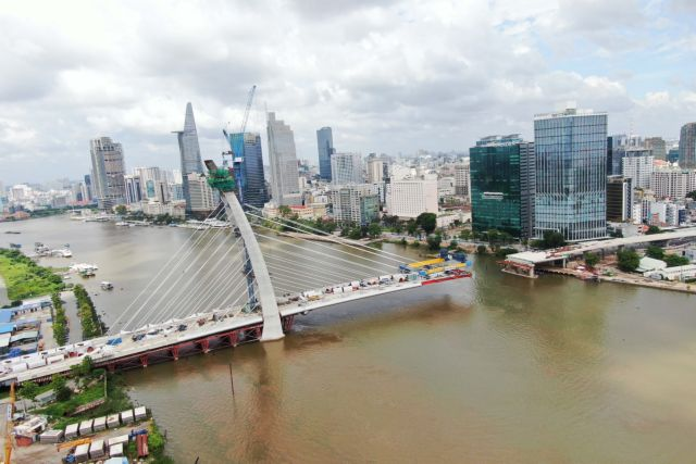 Thủ Thiêm 2 Bridge to open to traffic next year