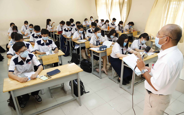 HCM Cityconsiders cancellinghigh schoolexamfor students who missed it the first time