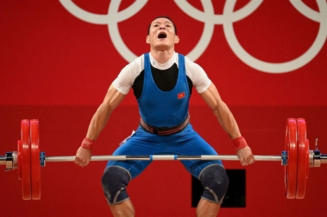 Olympic dreams dashed by failed 153kg lift