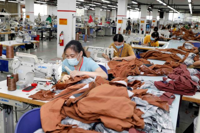 Việt Nam Laos enjoy growth in two-way trade in H1