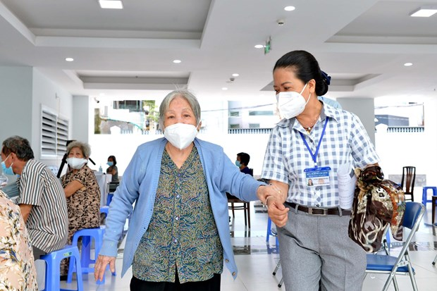 Fifth distribution of vaccines in HCM City to include elderly poor