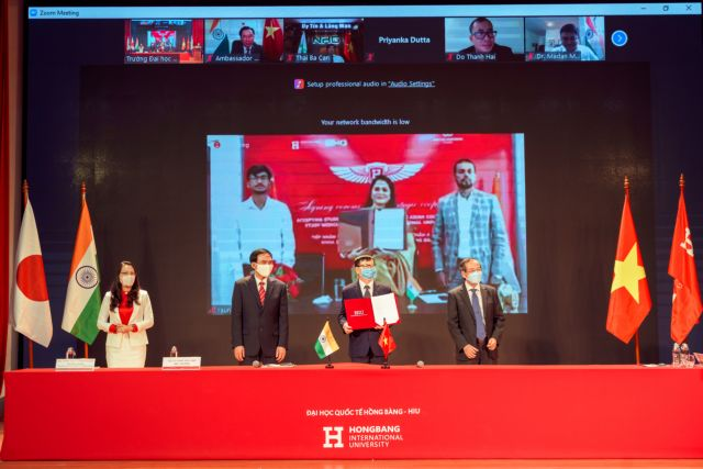 Hồng Bàng University ties up with Indian agency to train foreign students in medicine