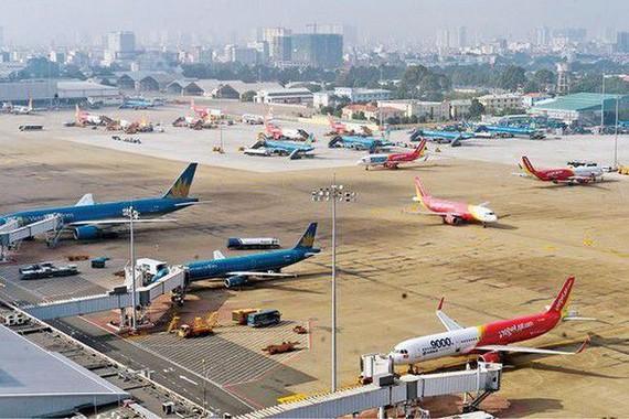 More provinces stop HCM City flights over COVID-19 concerns