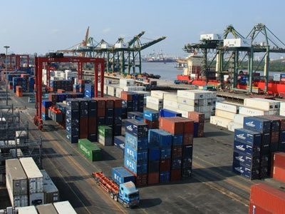 HCM City logistics companies unhappy with COVID isolation of ports