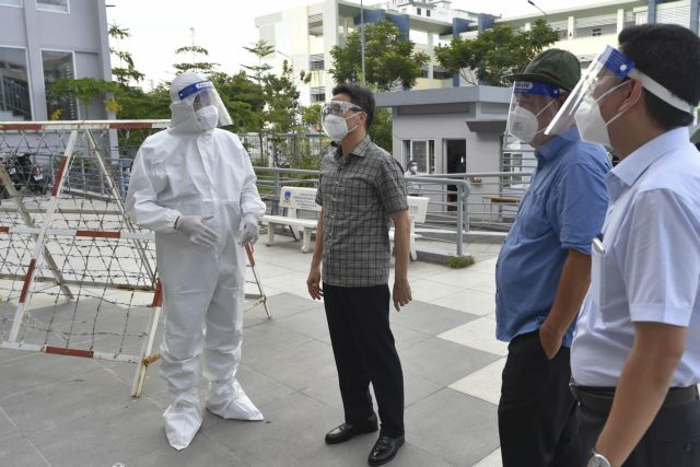 Prioritising vaccines for HCM City region to go into new normal: Deputy PM