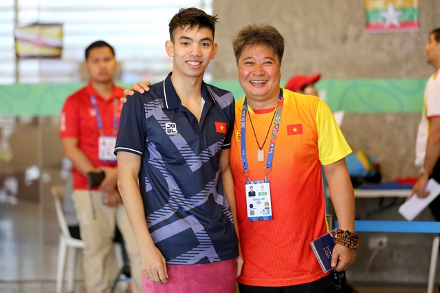 Chinese swimming expert Huang Guohui diesin quarantine