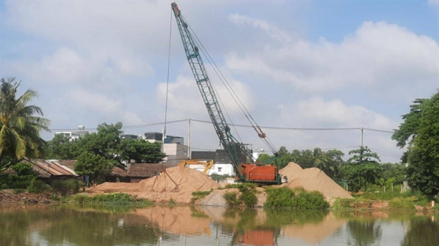 HCM City tohike fines for illegal sand exploitation